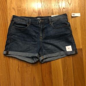 NWT Old Navy Mid-Rise Cuffed Denim Shorts